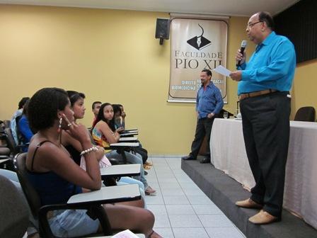 Alunos da escola Theodomiro Ribeiro conhecem a Faculdade PIO XII