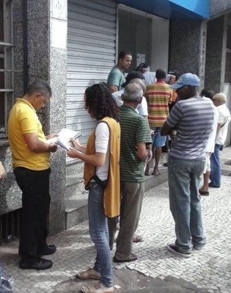 Centro de Pesquisas coleta dados sobre endividamento da população de Campo Grande