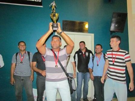 Vencedores da Copa PIO XII são premiados na Faculdade