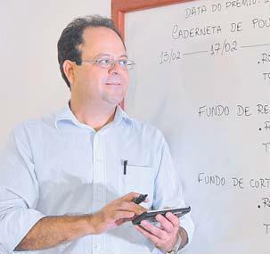 Professor Marcelo Loyola no jornal A Tribuna