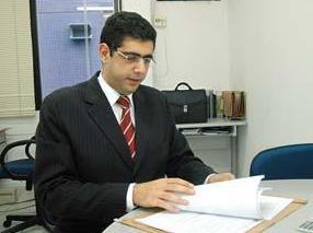 Professor de Direito em A Tribuna