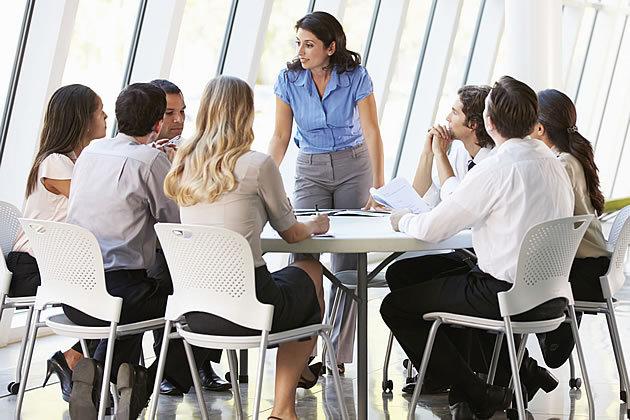 3 fatores que impedem mulheres de chegarem à liderança