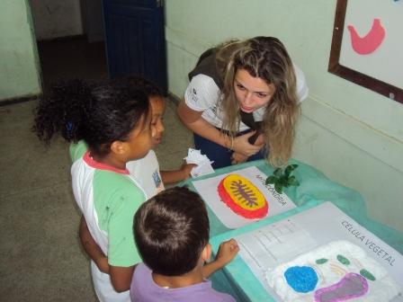 PIO XII realiza ação em escola