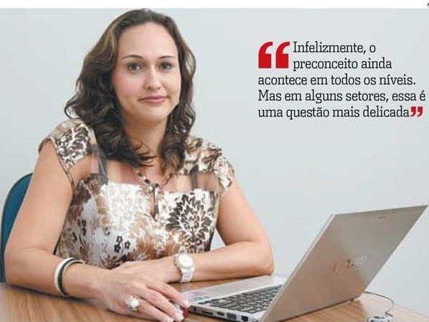 Professores da PIO XII concedem entrevistas ao jornal A Tribuna desta quarta-feira