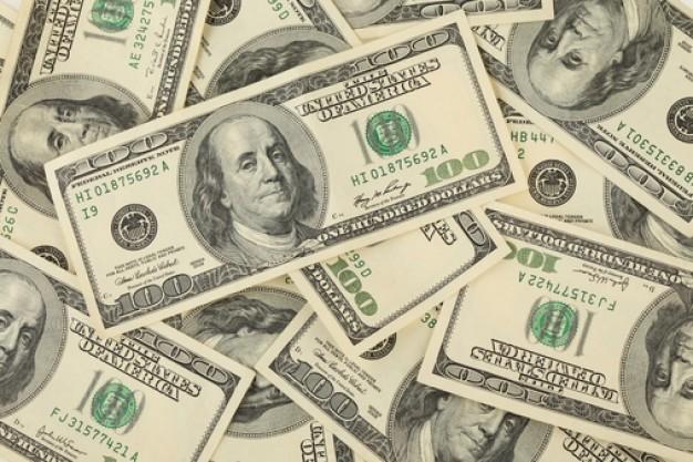 Dólar fecha em queda pelo 3º dia com otimismo em relação ao real