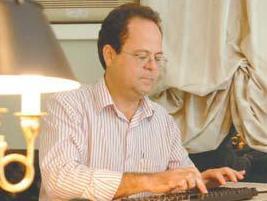 Professor Marcelo Loyola tem análise publicada em A Tribuna desta sexta-feira