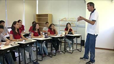 Escola-modelo coleciona histórias de sucesso com alunos da rede pública