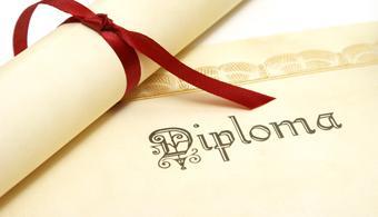 Quase cem alunos já podem pegar diploma na PIO XII