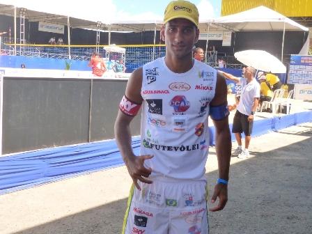 Rodrigo Lacraia disputa Circuito Capixaba de Futevôlei neste fim de semana