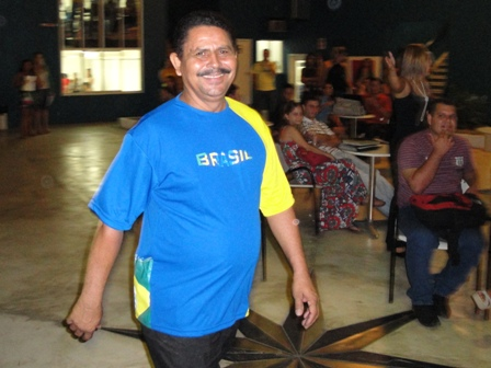 PIO XII tem camisa para torcer pela Seleção Brasileira