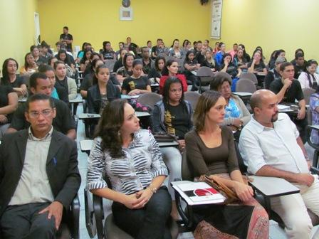 """Escola Maria Penedo participa do projeto """"Conhecendo a PIO XII"""""""