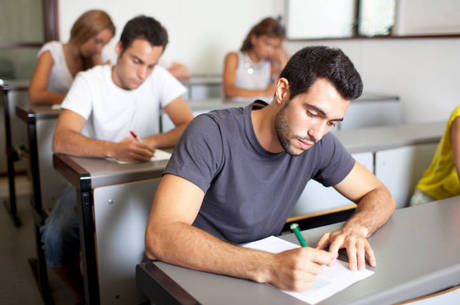 Para brasileiros, universidades devem focar no mercado de trabalho