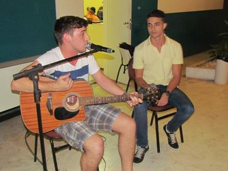Quarta Cultural em clima de romance sertanejo com João e Felipe