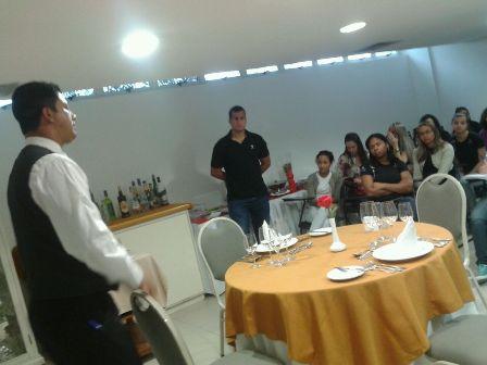 Alunos de Administração têm aula prática no Hotel Senac