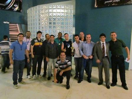 Campeões da Copa PIO XII são premiados na Faculdade
