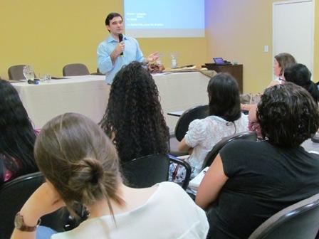 Palestras sobre Biomedicina Estética e em Ciências Forenses encerram Encontro de Biomedicina