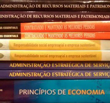 Mais livros novos no acervo da PIO XII