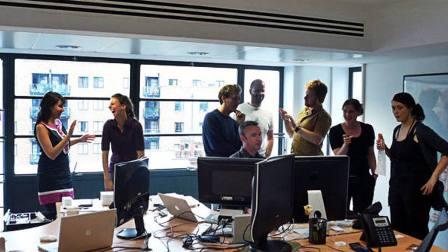 Como entender melhor a linguagem corporal no trabalho?