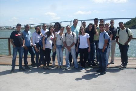 Alunos visitam Escola de Aprendizes Marinheiros e ArcelorMittal