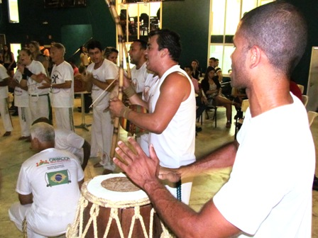 Gingado de Capoeira agita Quarta Cultural
