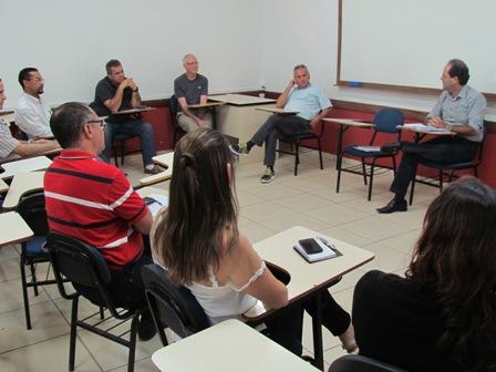 Professores da PIO XII trocam experiência com Professor canadense