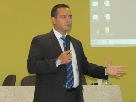 Assessor Jurídico do TJ-ES ministra palestra para alunos de Direito da PIO XII