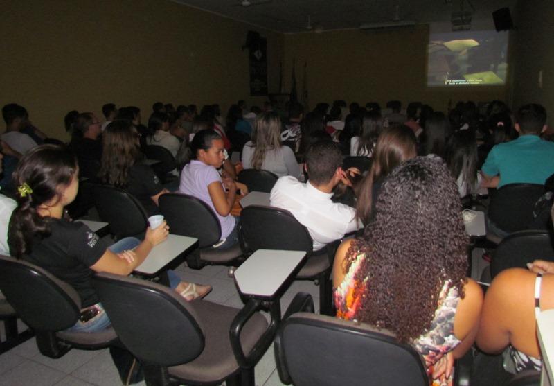 """Filme """"Um Sonho de Liberdade"""" abre a Semana de Contabilidade da PIO XII"""