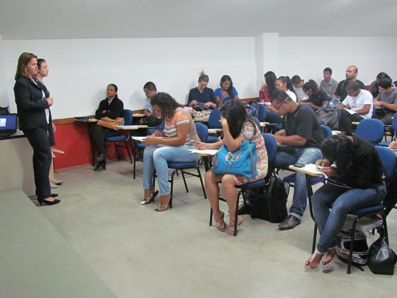 Conselheiras do CRA falam sobre o órgão para alunos do 1º Período de Administração
