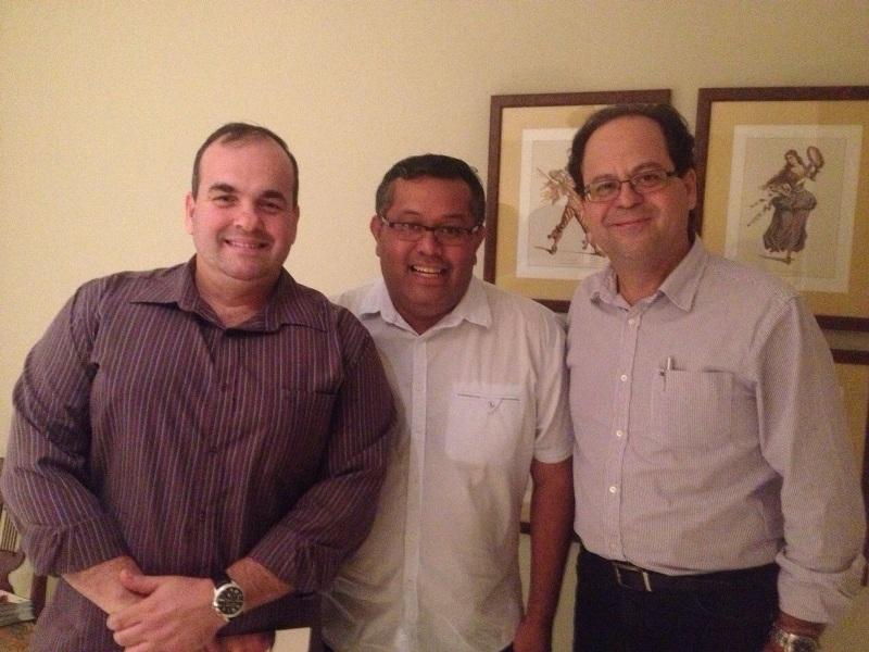 Presidente da Câmara de Vereadores de Cariacica, egresso da PIO XII, visita a Faculdade