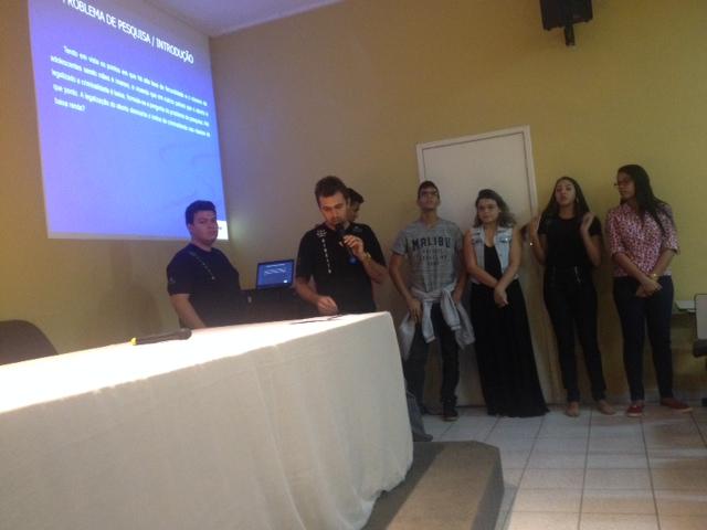 Alunos do matutino apresentam Seminário de Iniciação Científica