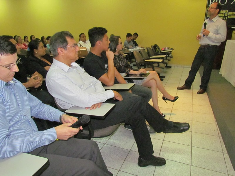 PIO XII realiza palestra em homenagem ao Dia do Contador