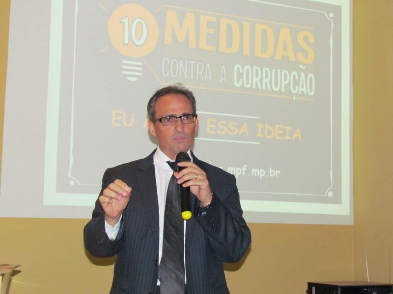 """Procurador da República fala sobre o programa """"10 Medidas Contra a Corrupção"""""""