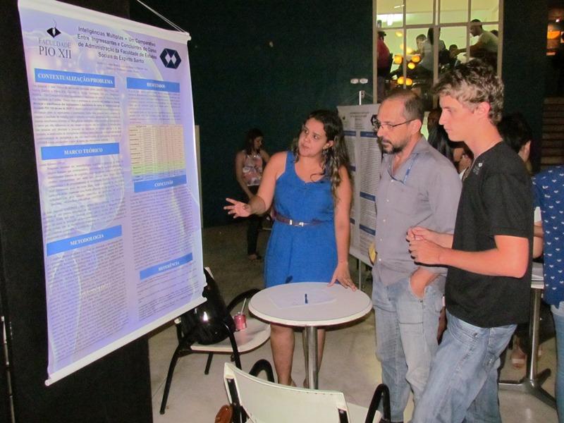 Alunos expõem trabalhos durante Jornada Científica na PIO XII