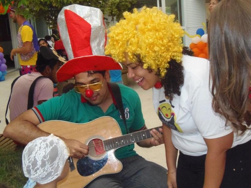 Projeto Risos que Curam realiza ação do Dia das Crianças na ACACCI