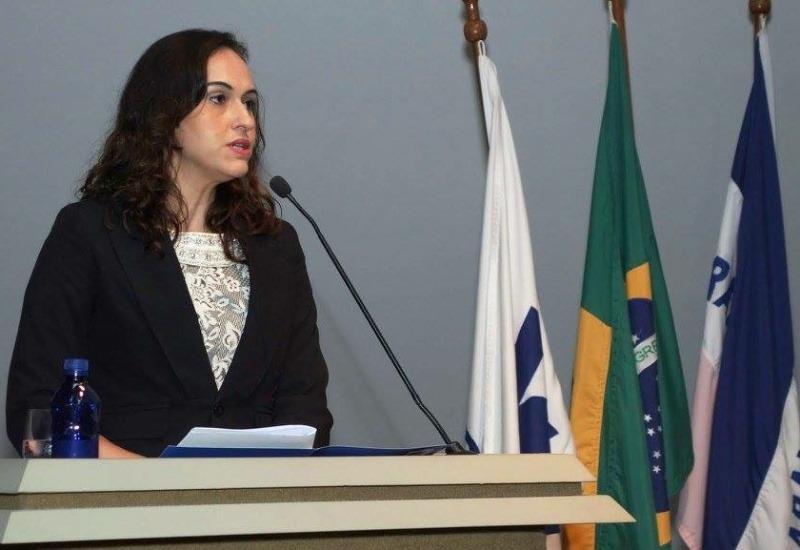 Professora Neidy Christo atua como Cerimonialista no FORHUM 2015
