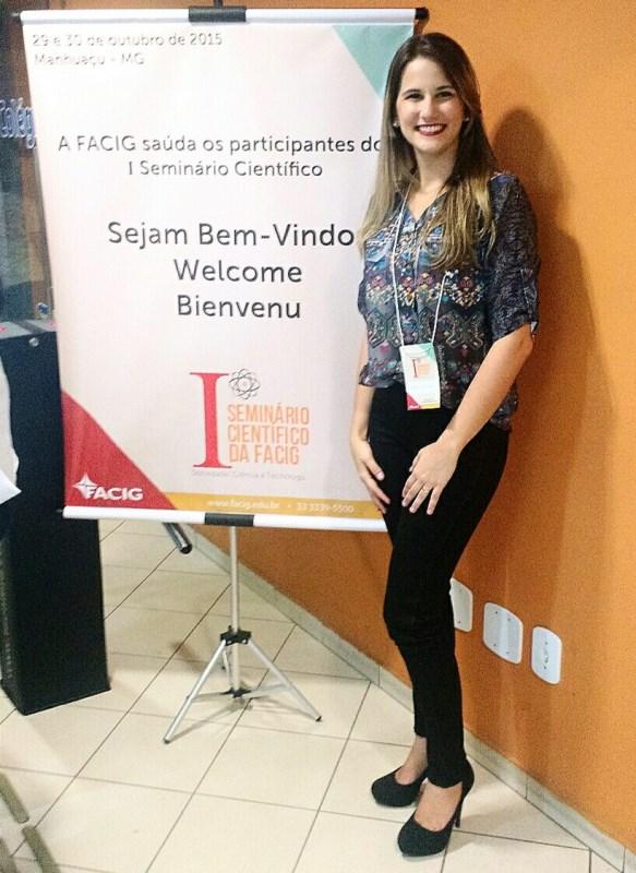 Aluna de Ciências Contábeis apresenta artigo em Seminário de Minas Gerais