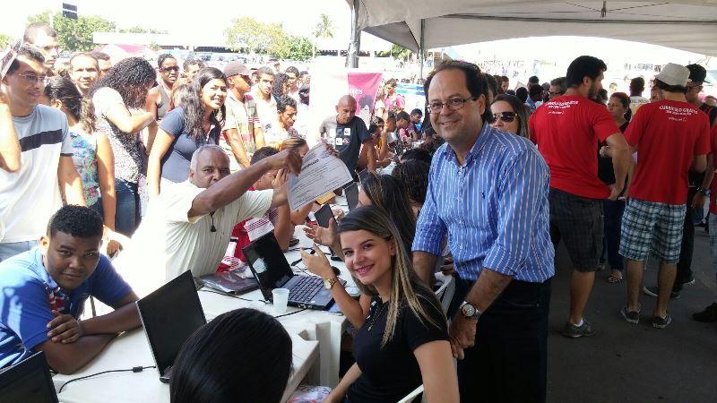 """Alunos e Professores da PIO XII ajudam no atendimento de 10 mil pessoas no """"ABRH na Praça"""""""