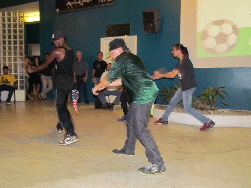 Dançarinos de Hip Hop se apresentam em Quarta Cultural