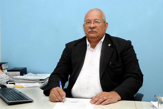 Capixaba Antônio Eugênio Cunha toma posse como presidente da FENESP
