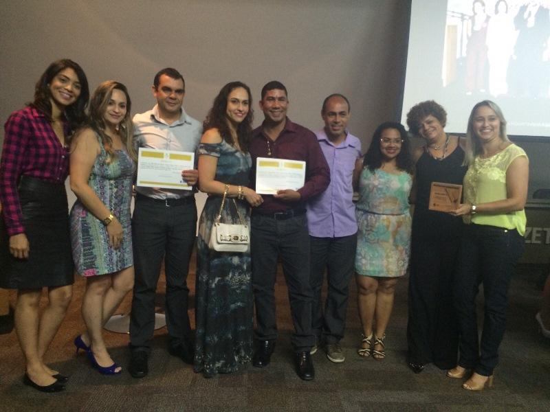 Acadêmicos de Administração ganham Prêmio Ser Humano e Faculdade PIO XII é homenageada