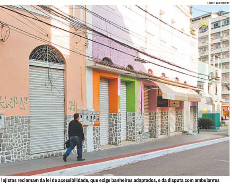 Lojas no Centro de Vitória fecham e Coordenador destaca motivos em A Tribuna
