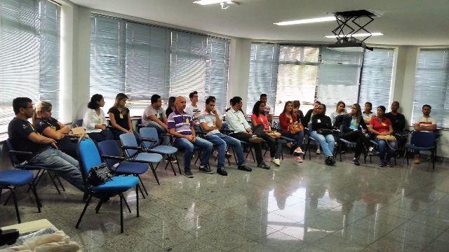 Acadêmicos de Comércio Exterior e Logística também realizam visita técnica ao TERCA