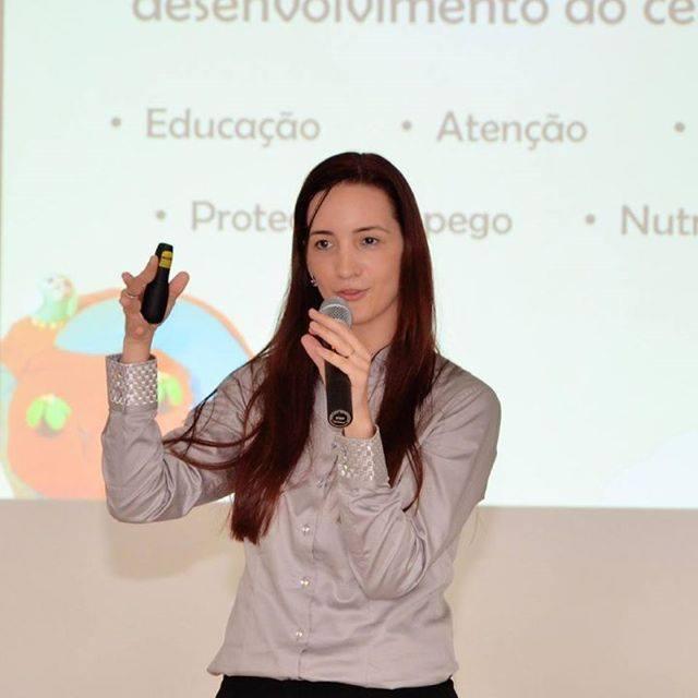 Equipe PIO XII participa de capacitação com Psicopedagoga Isabela Minatel