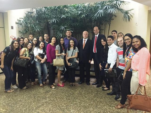 Mais de 20 alunos participam de Projeto Extraclasse no Tribunal de Justiça