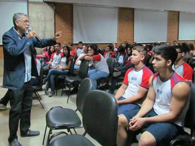 Projeto Profissões vai ao Sesi de Campo Grande