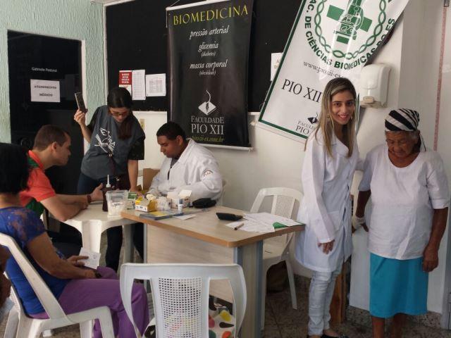 Alunos de Biomedicina participam de Ação Social em evento de Igreja em Vila Velha