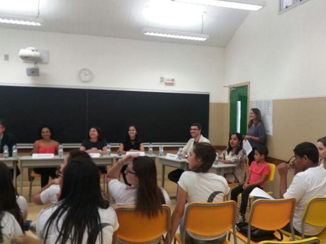 Professores e alunos participam de Feira de Informação Profissional na Fundação Bradesco