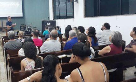 PIO XII realiza palestra sobre Liderança para membros de Presbiteriana