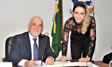 Coordenadora toma posse como Conselheira no CRC-ES
