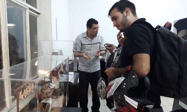 PIO XII abre exposição de esculturas e quadros